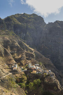 new/20191004 jai 2/village mountain fontainhas santo antao island